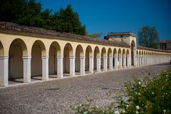 Łuki przy Loggiato dei Capuccini w Comacchio Zdjęcia Royalty Free