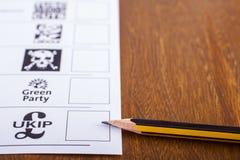 UKIP på en valsedel för riksdagsvalet Arkivfoto