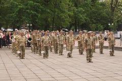 Ukraiński wojskowy na świętowaniu dzień zwycięstwo w Drugi wojnie światowej w Kamianets-Podilskyi 9 2019 Maj, fotografia royalty free