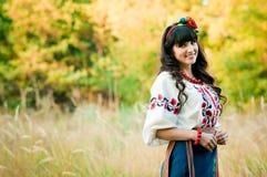 Ukraińska uśmiech kobieta w obywatelu odziewa na Zdjęcie Stock