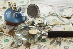 Ukraiński hryvnia i amerykanina ` s dolary z i - szkło Zdjęcie Royalty Free