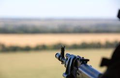 Ukraiński wojsko helikopter patroluje teren antiterrorist operatio Zdjęcie Stock