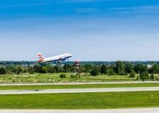 Ukraina Borispol - MAJ 22: Flygbussen A319-131British Ayrvays tar av på den internationella flygplatsen Borispol på Maj 22, 2015 Royaltyfri Foto