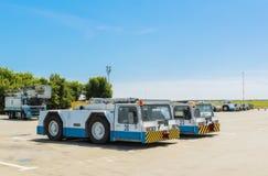 Ukraina Borispol, MAJ, - 22: Wyposażenie dla utrzymania samolot przy lotniskiem międzynarodowym Borispol na Maju 22, 2015 Obrazy Stock