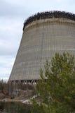 Ukraina Chernobyl niedopuszczenia strefa - 2016 03 20 niedokończony wierza jest blisko elektrowni jądrowej Zdjęcie Stock