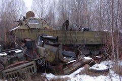 Ukraina Chernobyl niedopuszczenia strefa - 2016 03 20 zaniechani promieniotwórczy pojazdy Zdjęcia Stock