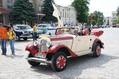 UKRAINA, KAMYANETS-PODILSKY - CZERWIEC 06, 2009 Retro Samochodowy festiwal w Kamyanets-Podilsky, Ukraina Obraz Stock