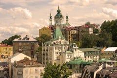 Ukraina Kiev tapetbakgrund Kyrka för domkyrkaSt Andrew ` s Royaltyfria Bilder