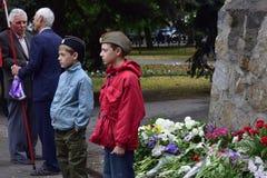 Ukraina, Kijów - 05 9 2016: Ludzie świętują dzień zwycięstwo w ulicach miasto, militarny muzyk Zdjęcie Stock