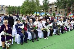 Ukraina, Kijów - 05 9 2016: Ludzie świętują dzień zwycięstwo w ulicach miasto, militarny muzyk Obraz Stock