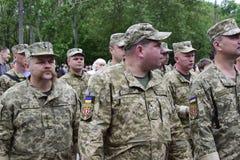 Ukraina, Kijów - 05 9 2016: Ludzie świętują dzień zwycięstwo w ulicach miasto, militarny muzyk Obrazy Stock