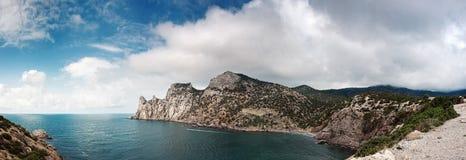 Ukraina Krymski półwysep, skalisty wybrzeże Czarny morze, Tsar zatoczka Zdjęcia Stock