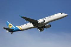 Ukraina Międzynarodowy Embraer ERJ-190 Fotografia Royalty Free