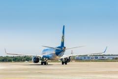 Ukraine, Borispol - 22. Mai: Boeing verlässt die Rollbahn an internationalem Flughafen Borispol am 22. Mai 2015 in Borispol, Ukra Stockbild