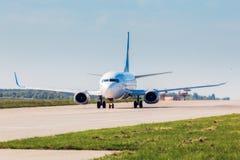Ukraine, Borispol - 22. Mai: Das Boeing 737 vor Start an internationalem Flughafen Borispol am 22. Mai 2015 in Borispol, Ukraine Lizenzfreie Stockfotos