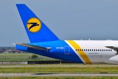 Ukraine International Airlines Boeing 777 Immagini Stock