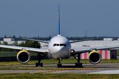 Ukraine International Airlines Boeing 777 Fotografia Stock Libera da Diritti