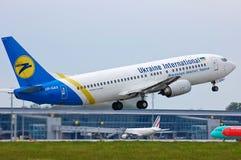 Ukraine International Airlines Boeing 737 Fotografia Stock Libera da Diritti