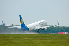Ukraine International Airlines Boeing 737 Fotografia Stock Libera da Diritti