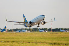 Ukraine International Airlines Boeing 737 Fotografie Stock
