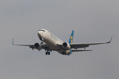 Ukraine International Airlines Boeing 737-800 aviones fotos de archivo