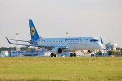 Ukraine International Airlines Embraer ERJ-190 Royalty Free Stock Photography