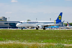 Ukraine International Airlines Embraer ERJ-190 Stock Images