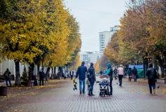 ukraine Khmelnytskyi Oktober 2016 Den centrala gatan av cet royaltyfri bild