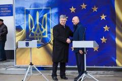 Ukrainean Präsident Petro Poroshenko an der Einweihung neuer ukrainischer Grenze Palanca Moldovans stockfotos
