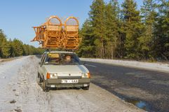Ukrainian craftsman shows  transportation method of wicker-work Royalty Free Stock Images