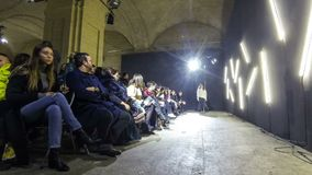 Ukrainische Mode-Woche FW18-19: Sammlung durch ELENAREVA stock video