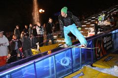 Ukrainische Snowboardingmeisterschaft stockbild