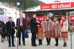 Ukrainisches nationales Ensemble, das am Weihnachten in Bukovel singt Stockfotografie