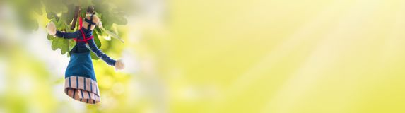 Ukrainsk docka-motanka eller trasdocka Folken f?r kultur f?r den handgjorda textildockan tillverkar den forntida tradition av Ukr royaltyfria foton