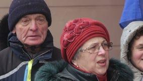 Ukrainsk patriotisk prålig folkhopmötesång arkivfilmer