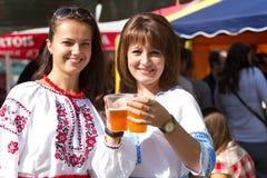 Ukrainska flickor arkivfoton