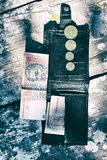 Ukrainska pengar i plånboken på svart bakgrund Arkivfoton
