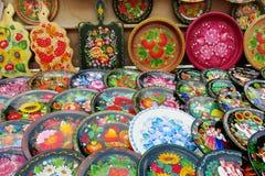 Ukrainska traditionella färgrika plattor med blommor Royaltyfria Foton