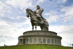 Ulaanbaatar Монголия 3-ье июля 2016 на статуе Genghis Khan верхом, на Tsonjin Boldogeast монгольского прописного Ulaanbaa Стоковая Фотография RF