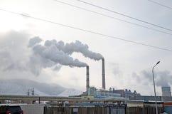 Ulaanbaatar, manganèse 1er décembre 2015 : Chauffage électrique central dans Ulaanbaatar Photographie stock libre de droits