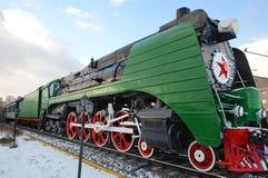 Ulaanbaatar Mongoliet-December, 02 2015: Ångalokomotiv P36a Museum av järnväg utrustning i Ulaanbaatar Mongoliet Arkivfoton