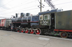 Ulan-Ude, RÚSSIA - julho, 16 2014: Série velha do Ea da locomotiva de vapor do vintage na plataforma da estação de Ulan-Ude, Rúss Fotografia de Stock Royalty Free