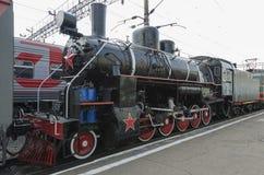 Ulan-Ude, RÚSSIA - julho, 16 2014: Série velha do Ea da locomotiva de vapor do vintage na plataforma da estação de Ulan-Ude, Rúss Imagens de Stock