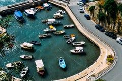 Ulcinj, Montenegro Bahía de Ulcinj, vista desde arriba Un pequeño puerto con muchos barcos Fotos de archivo