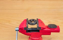 Ulepszać stare pytlowe nici z specjalnymi narzędziami zdjęcia stock