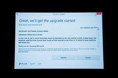 Ulepszenie dane podczas Windows 10 - akceptuje lub obniża Zdjęcia Royalty Free