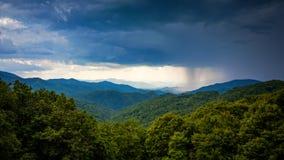 Ulewa Nad Appalachian górami Od Błękitnego grani Parkway wewnątrz zdjęcie royalty free