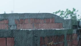 Ulewny deszcz i ekstremum pogoda zbiory