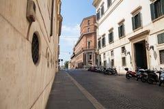 Ulica bez ludzi, Rzym, Włochy obrazy stock