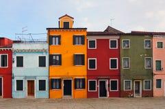 Ulica colourful domy w burano Venice w lecie Obrazy Stock